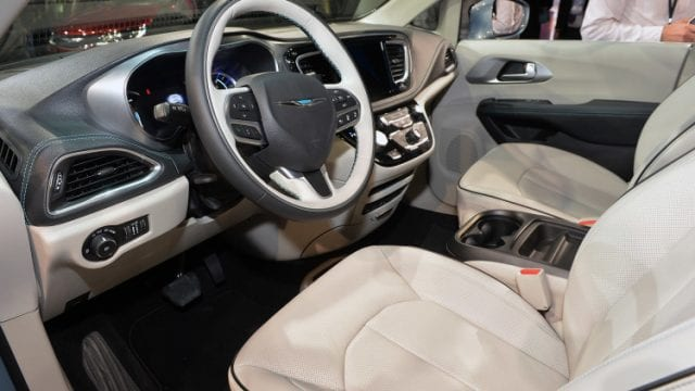 2017 Chrysler Pacifica Hybrid Is What We Needed Opptrends News Reviews And Rumors 2017