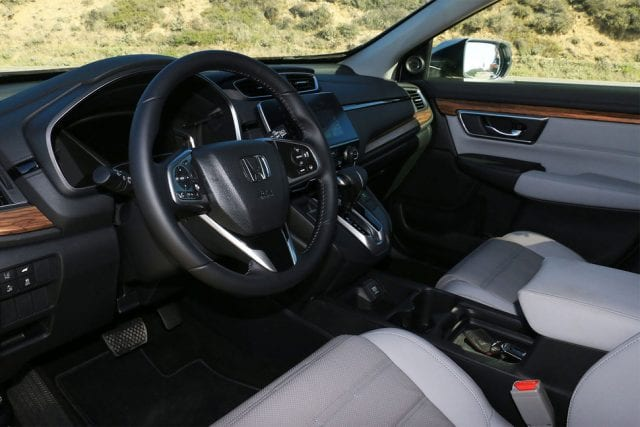 2017 honda cr v interior 640x427