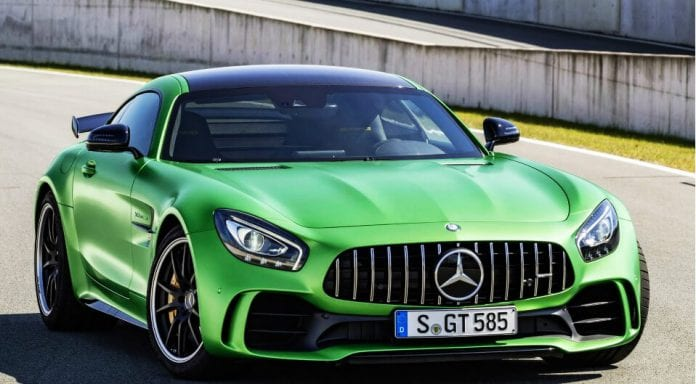 2017 mercedes amg gt r is a green masterpiece for Mercedes benz gtr amg 2017 price