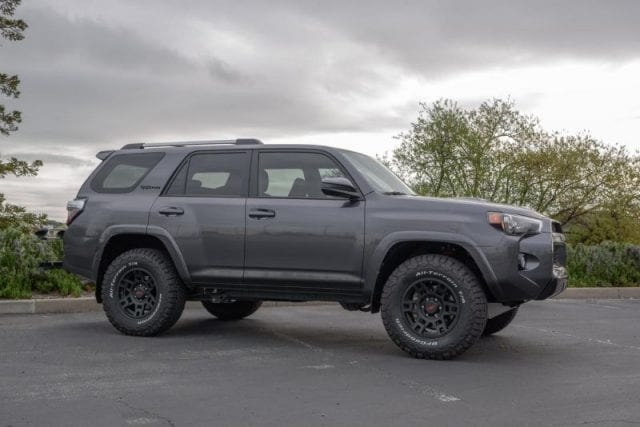 2017 toyota 4runner trd pro arrived at canada opptrends. Black Bedroom Furniture Sets. Home Design Ideas
