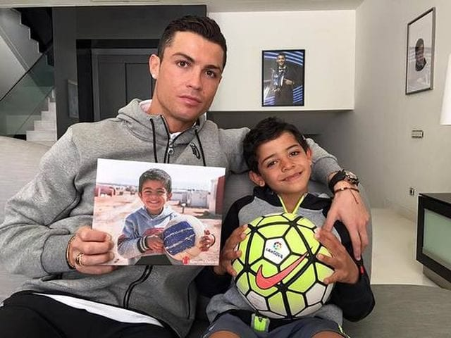 Cristiano Ronaldo Shows Support For Syrian Refugee Children 640x480