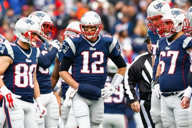 Chiefs' loss gives Pats chance to tighten grip on No. 1 seed