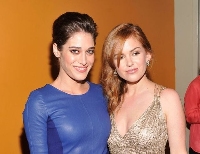 Isla Fisher Replaced By Lizza Caplan 640x493