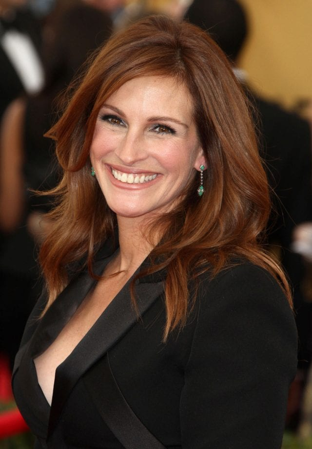 celebrities body parts 03 julia roberts smile 640x921