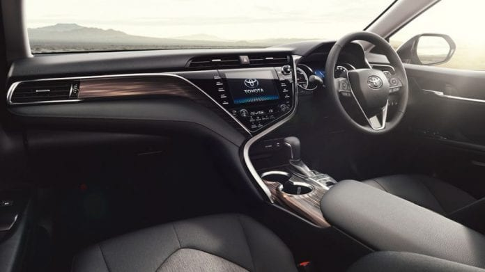 Hyundai Sonata Hybrid 2018 >> 2018 Toyota Camry Update: Revealed in two variations!