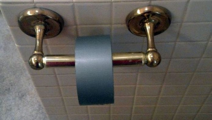 10 Good And Bad Alternatives To Toilet Paper
