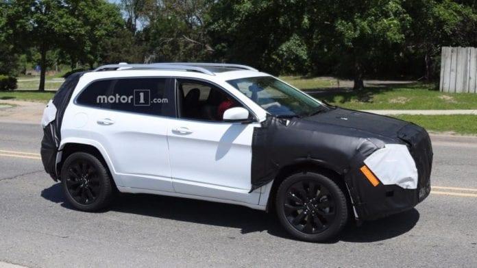 2018 Trackhawk Jeep >> 2018 Jeep Cherokee Has Been Spied