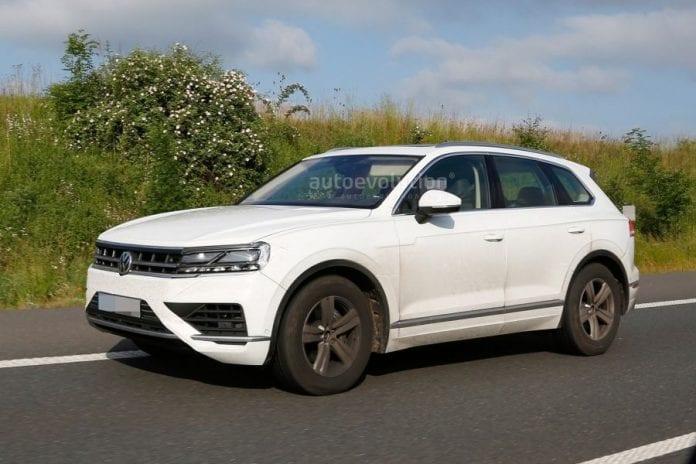 2018 Volkswagen Touareg New Spy Photos