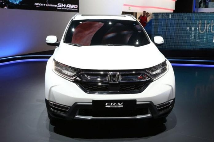 Frankfurt Auto Show brought us the 2018 Honda CR-V hybrid prototype!