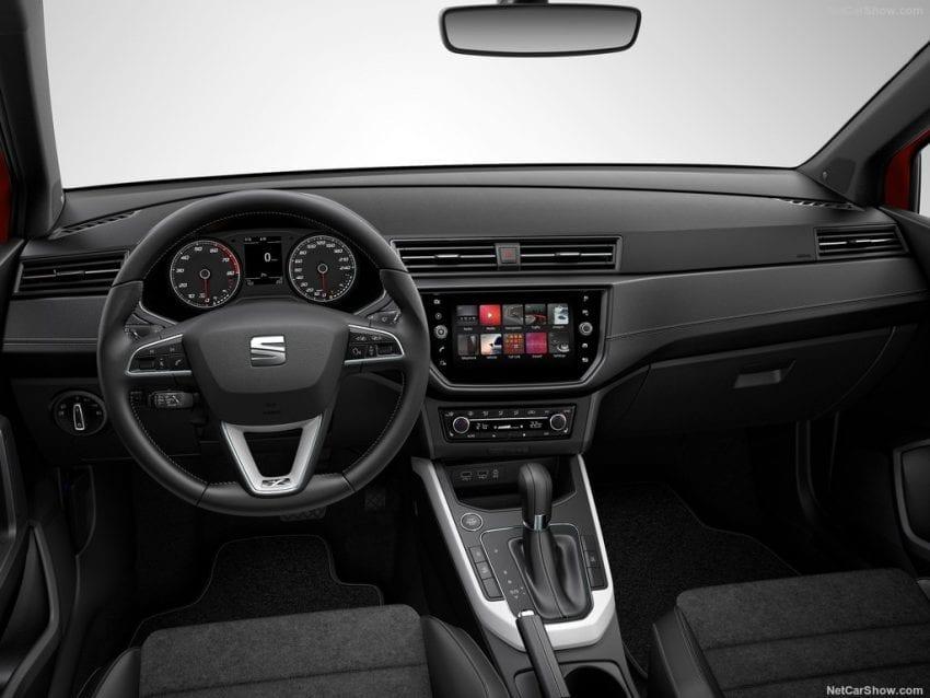 Seat Arona 2018 interior 850x638