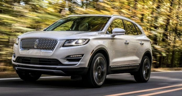 2019 lincoln mkc crossover amped up its luxury level. Black Bedroom Furniture Sets. Home Design Ideas