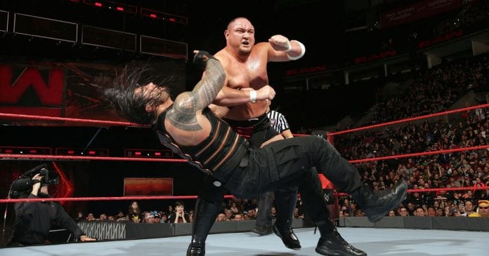 Samoa Joe vs Roman Reigns