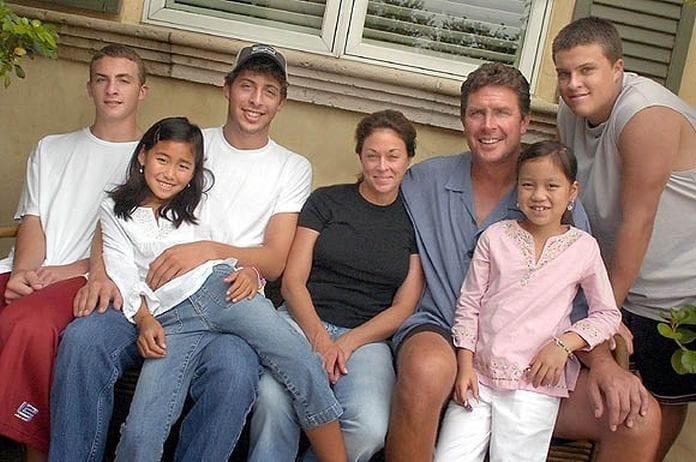 dan marino family 696x462