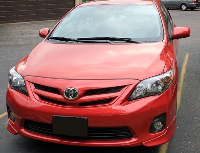 Toyota Corolla 696x532