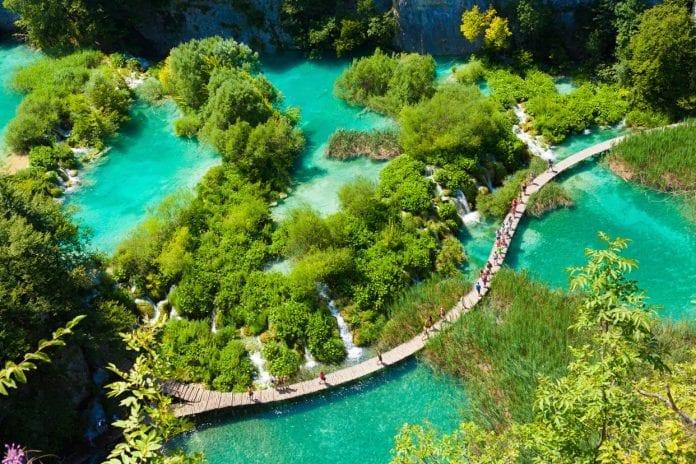 Plitvice Lakes National Park Croatia 696x464