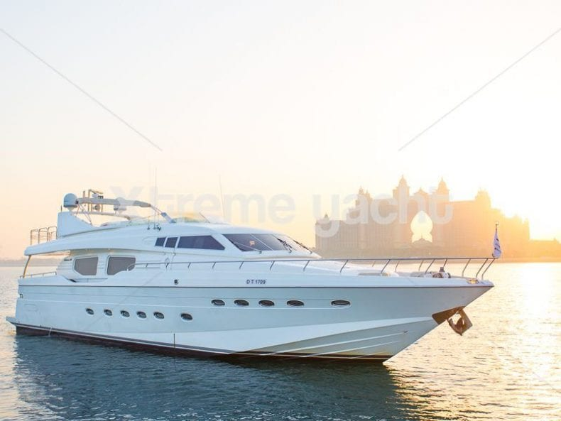 90ft Luxury SuperYacht 790x593
