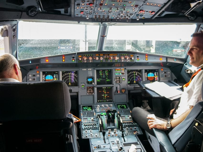 Airplane controle automatticly 850x638