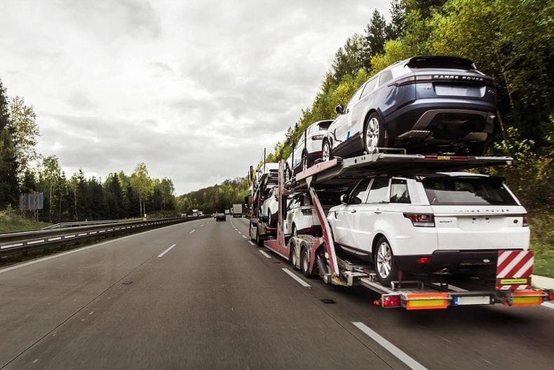 Car transportations on road 790x527