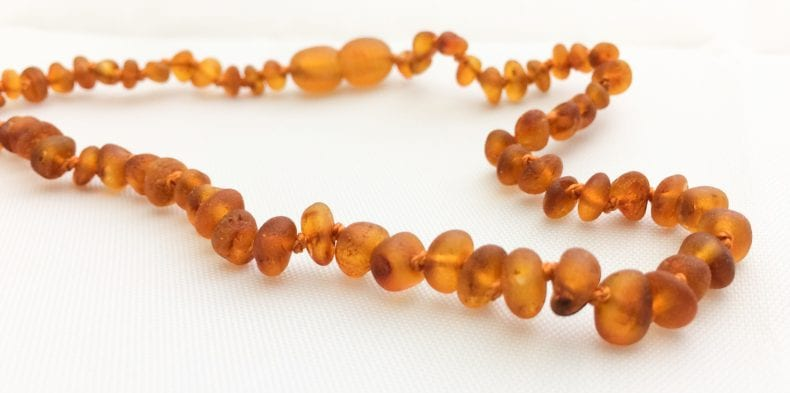 amber necklace 790x393
