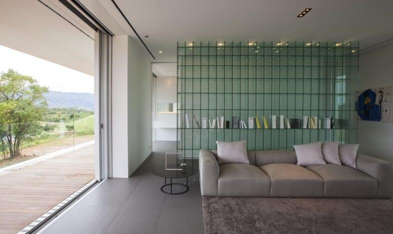 Lounge area 1 790x471
