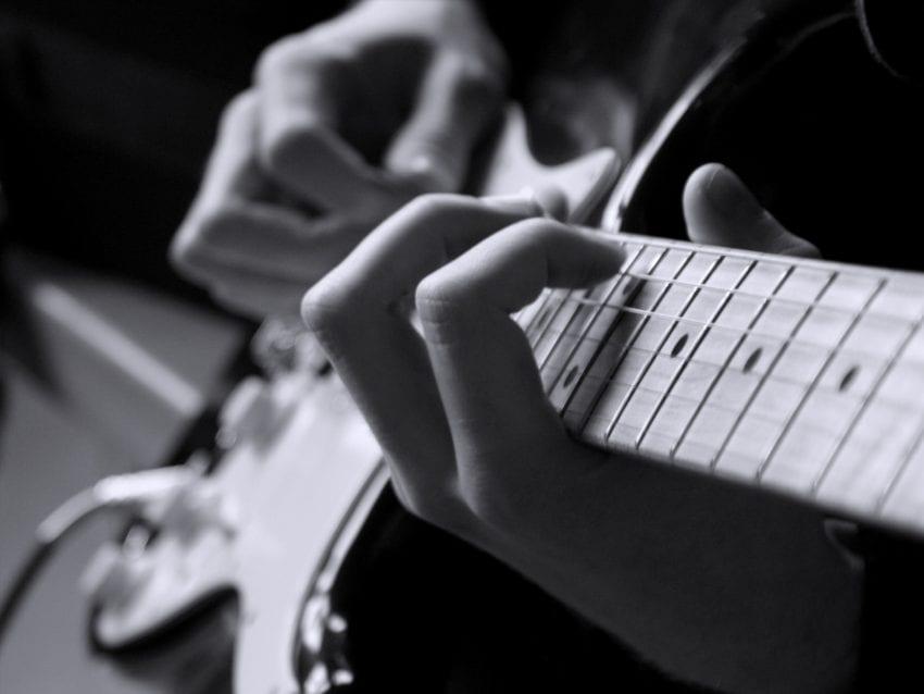 guitar 3 850x638