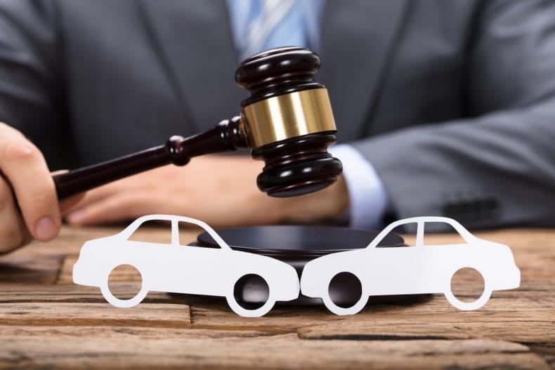 Auto accident lawyer 790x527