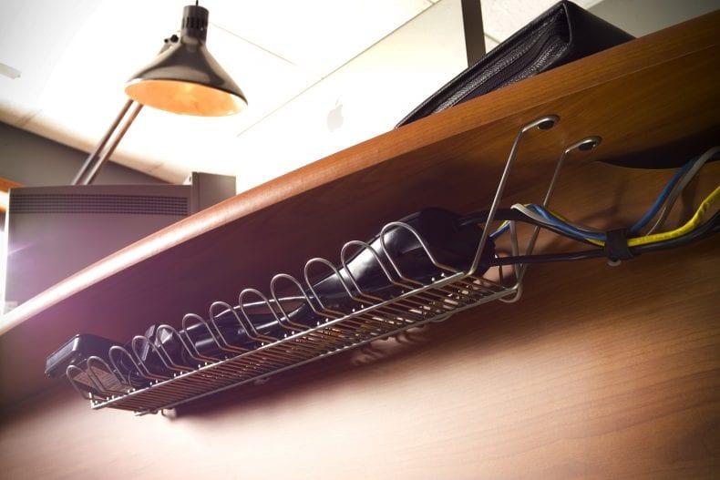 desk 1 790x527