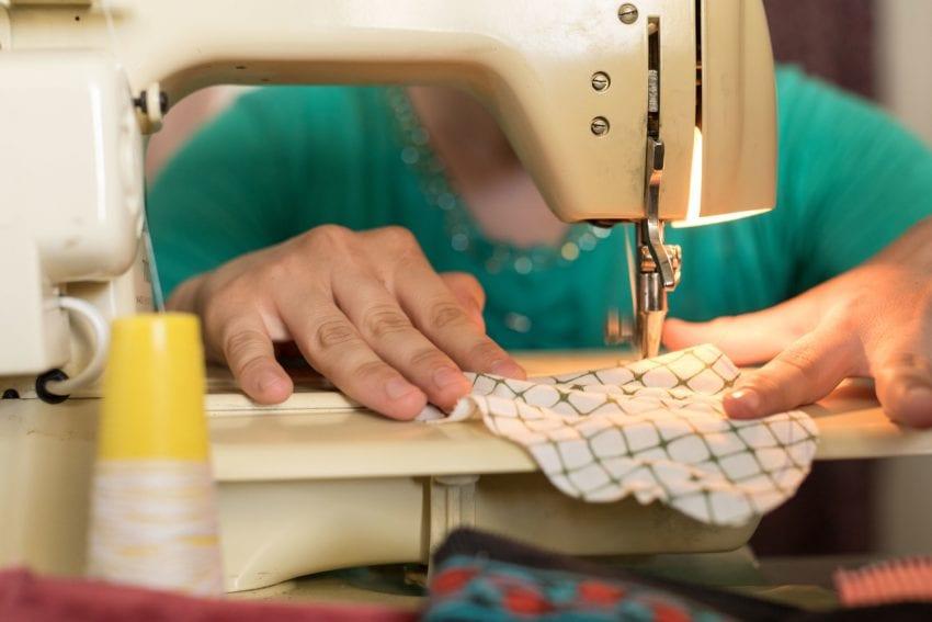 sewing machine 6677 850x567