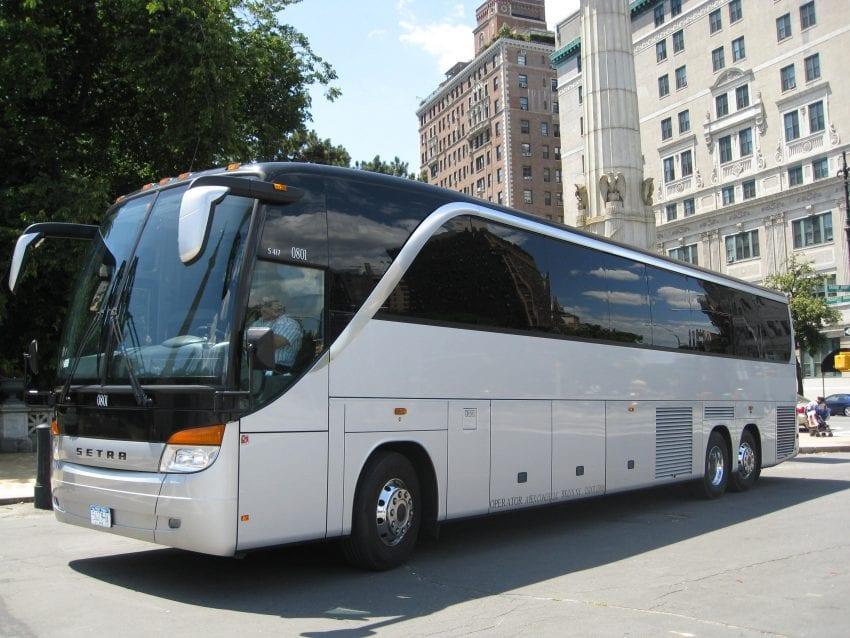 bus rentals2 850x638
