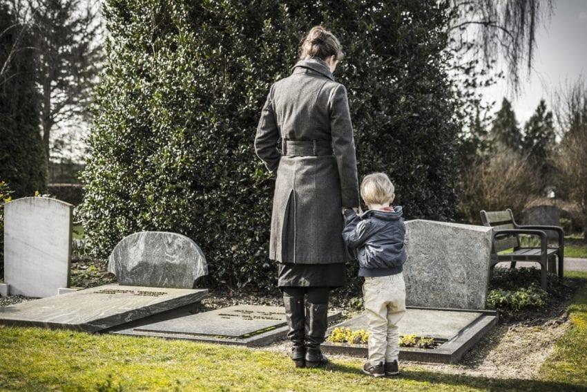 death of a parent11 850x567