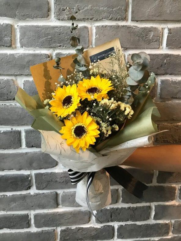 sunflower bouquet 2 593x790