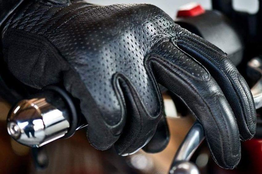 gloves 850x566