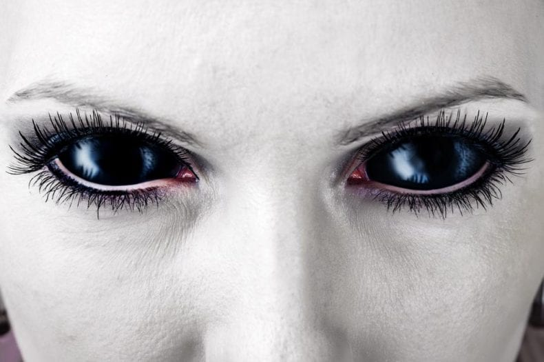 Halloween Contact Lenses 790x525