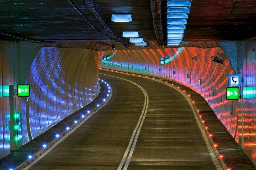 led lights tunel 850x567