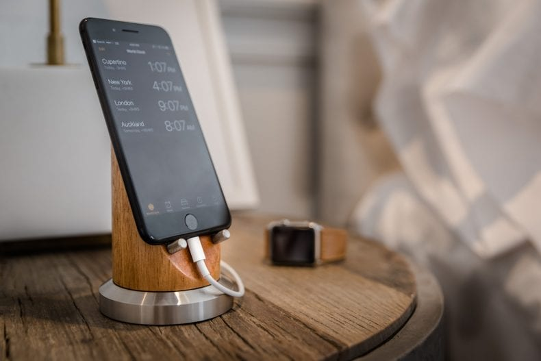 Smartphone Stand 790x527