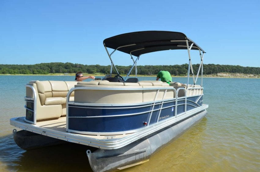 Boat Rental Lake 850x563
